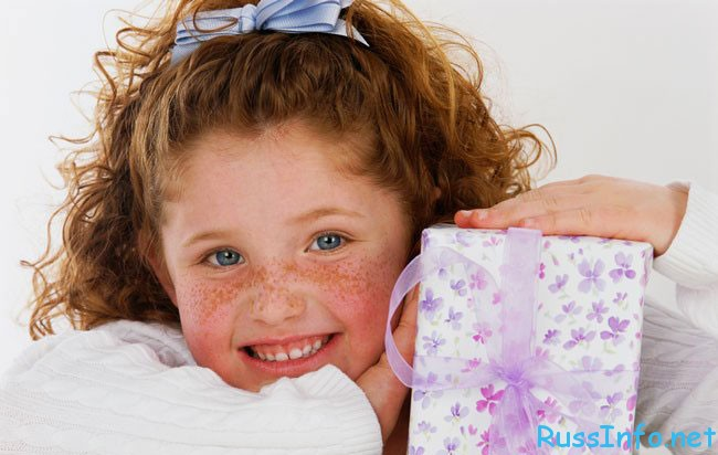 подарки девочкам на 8 марта