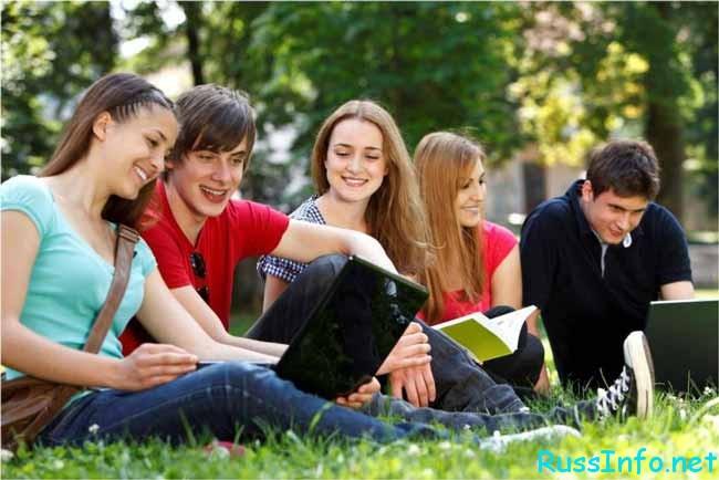 симпатичные студентки
