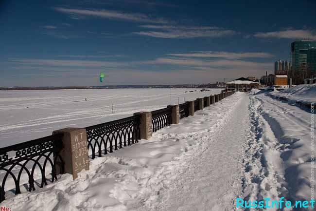 Волга в снегу