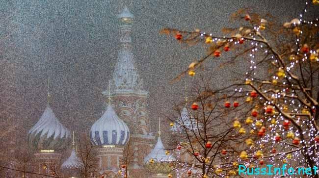 идет красивый снег