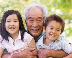 внуки с дедушкой