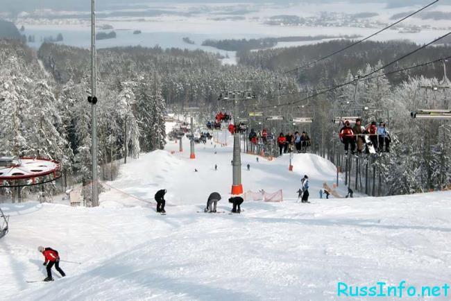 Катание на лыжах зимой в Белоруссии