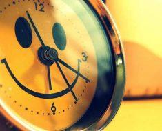 часы со смайлом