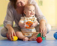 мама,малыш и игрушки