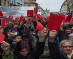 россияне живут в условиях затянувшегося кризиса
