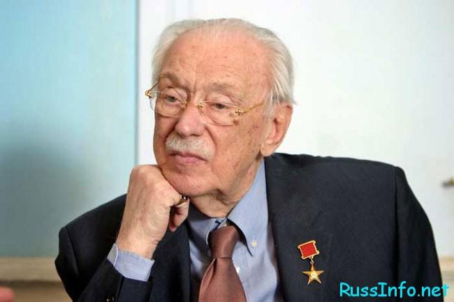У Сергея Михалкова 105- летний юбилей