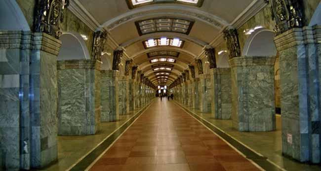 Станция метрополитена в Санкт Петербурге