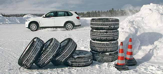 Машина и резина на снегу